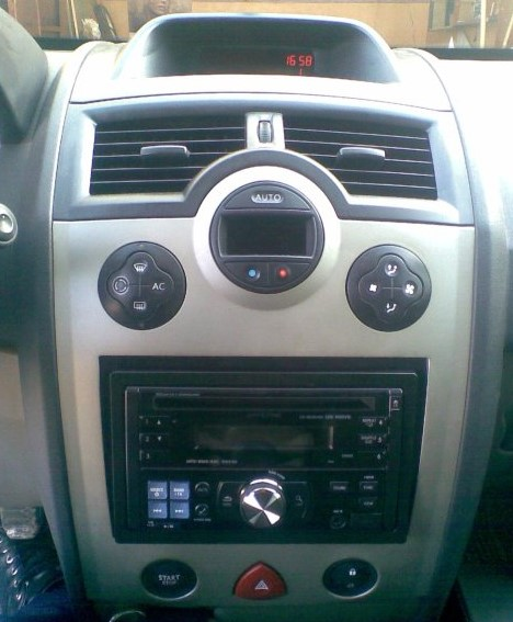 autoradio 2 din alpine renault megane 2 usb cd bluetooth mp3 autoradios. Black Bedroom Furniture Sets. Home Design Ideas