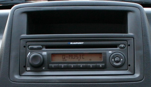 autoradio 1 din fiat panda avec cd usb mp3 bluetooth fiat autoradios. Black Bedroom Furniture Sets. Home Design Ideas