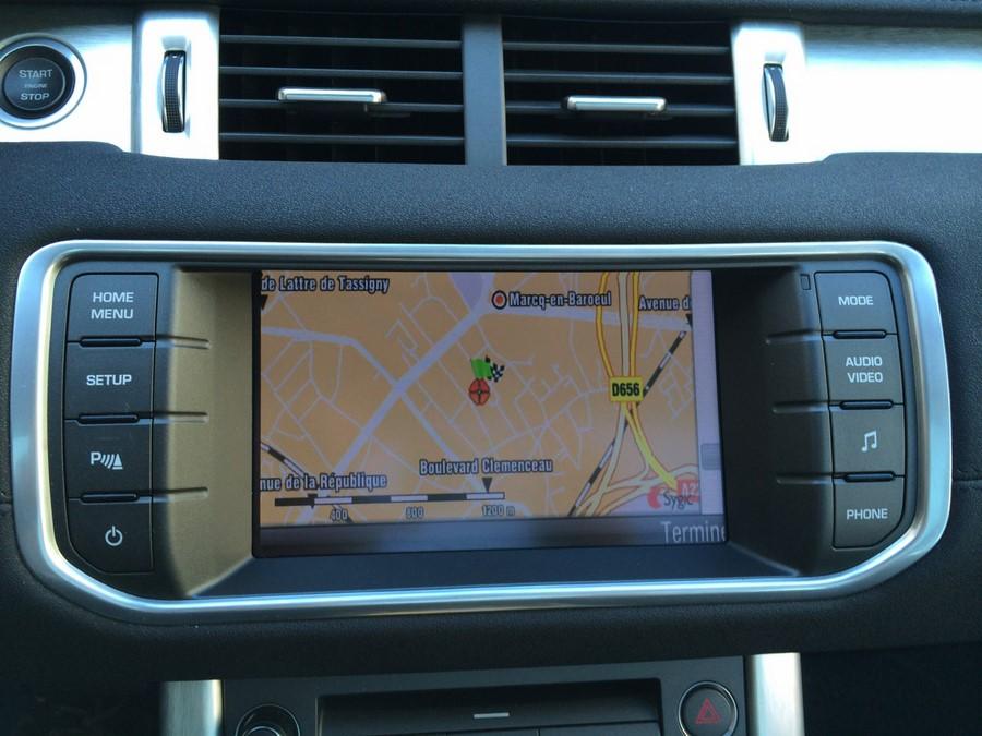 interface multim dia avec navigation gps pour range rover evoque cran tactile. Black Bedroom Furniture Sets. Home Design Ideas