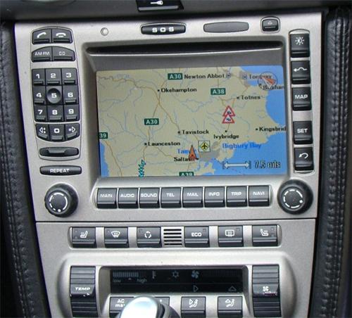 autoradio gps porsche 911 cayman boxster commandez sur. Black Bedroom Furniture Sets. Home Design Ideas