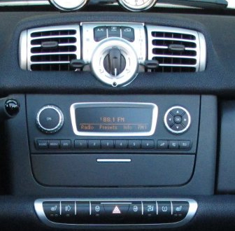 autoradio android gps cran tactile wifi smart fortwo 2010. Black Bedroom Furniture Sets. Home Design Ideas