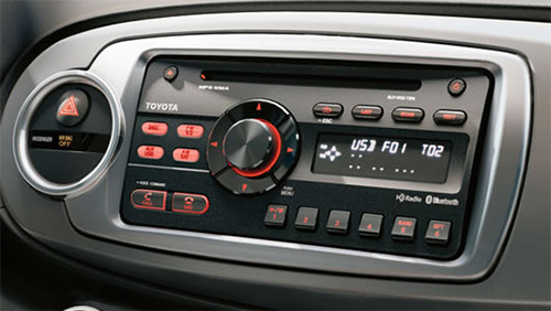 autoradio gps toyota yaris depuis 2011 android ou windows. Black Bedroom Furniture Sets. Home Design Ideas