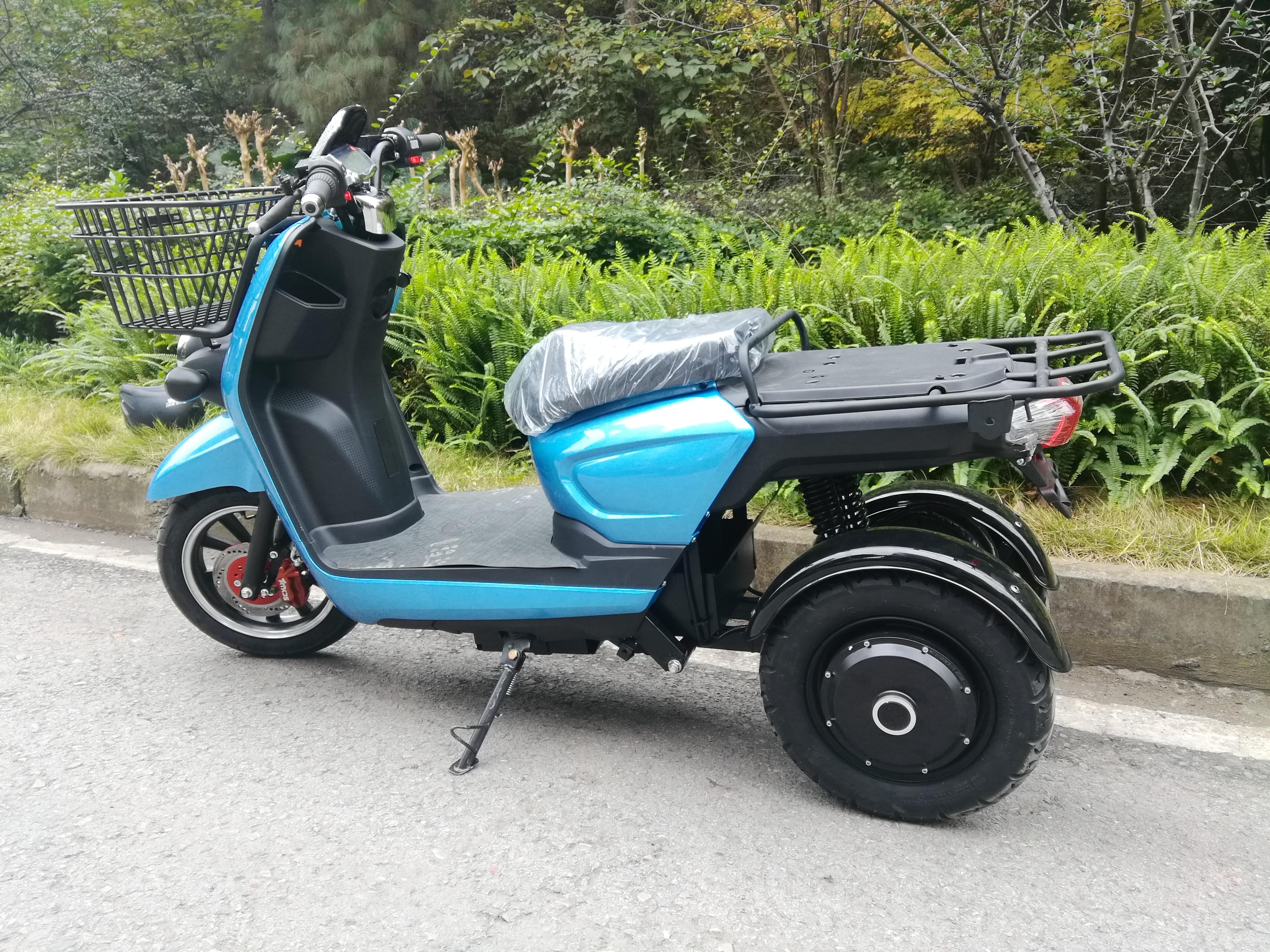 Azur Scooter 3w A 3 Roues Electrique L Utilitaire Parfait